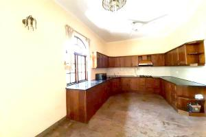 Code 3229 house for sale or lease col03