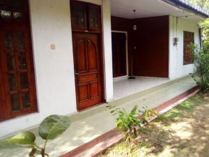 House for Rent, 12km from Kandy on Haragama Road